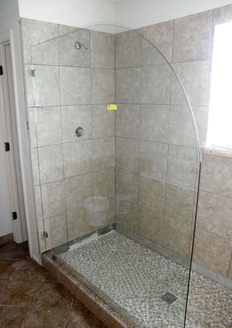 custom glass splash guard with clamps